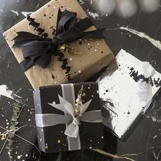 How to make a custom diy paint splatter wrapping paper for all of your holiday gifts! Song of Style Black Wrapping Paper, Wrapping Paper Design, Wrapping Papers, Wrapping Ideas, Christmas Gift Wrapping, Christmas Gifts, Black Christmas, Xmas, Papier Diy