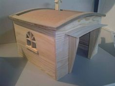 Dog house with pallets and other reclaimed wood. More information: website ! Submitted by: Ana Sousa !