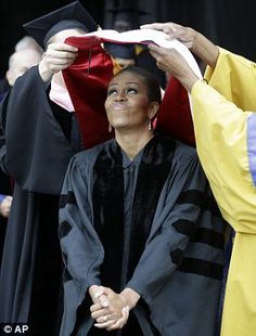 First lady Michelle Obama is hooded for an honorary Doctor of Humanities degree from Oberlin College in Ohio. Obama gave the commencement speech to the class of Tony Dejak, AP Michelle Obama Flotus, Michelle Obama Fashion, Barack And Michelle, Presidents Wives, Black Presidents, First Black President, Our President, American First Ladies, American Women