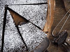 Idas fristelser Dessert Recipes, Monogram, Baking, Om, Pattern, Cakes, Patisserie, Scan Bran Cake, Kuchen