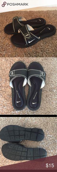 NIKE Slide sz 10 Adjustable strap and comfort footbed.  Size 10, never worn. Nike Shoes