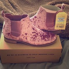 9125b5128b25 Shop Women s Toms Pink size 10 Ankle Boots   Booties at a discounted price  at Poshmark