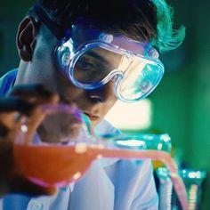 Mad scientist or hot scientist Avicii, Electro Music, Best Dj, My Crush, Record Producer, Dance Music, Wells, Cute Guys, Edm