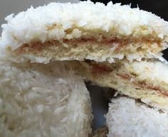 Rita's Scottish Tablet - Recipe from myTaste Scottish Tablet Recipes, Scottish Dishes, Snowballs Recipe, Cake Stall, Vanilla Flavoring, How To Make Bread, Tray Bakes, My Recipes, Fudge
