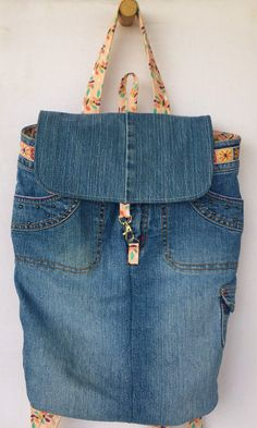 Denim Tote Bags, Denim Purse, Denim Bags From Jeans, Diy Old Jeans, Jean Crafts, Denim Crafts, Recycle Jeans, Upcycle, Jean Backpack