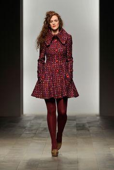 burgundy hosiery outfit - Hľadať Googlom