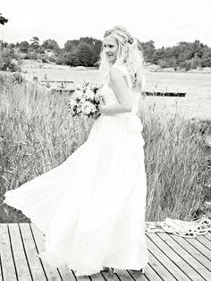 #Bride <3 #Wedding <3 #Love siljeskylstad.com Weddings, Bride, Wedding Dresses, Photos, Fashion, Wedding Bride, Bride Dresses, Moda, Bridal Gowns