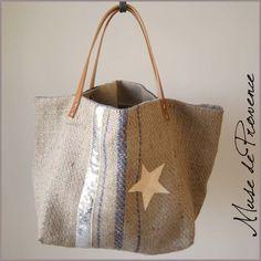 Sac cabas en jute et paillettes SECRET by www. My Bags, Purses And Bags, Handbag Patterns, Handmade Purses, Quilted Bag, Pouch Bag, Beautiful Bags, Burlap, Hessian