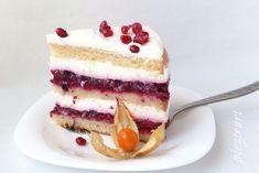 Tort cu fructe de padure si iaurt