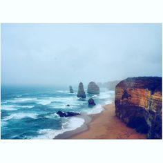 Stunning view #australia #melbourne #greatoceanroad #portcampbell #12apostles #twelveapostles #takemeback #tb #tbt #travel #wanderlust #adventure #explore by miricmyr http://ift.tt/1ijk11S
