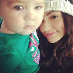 Bethany Noel Mota and baby Marin! Too cute Bethany Mota, Aeropostale, Her Style, Marines, Role Models, My Girl, Cute Babies, Cute Outfits, Pretty