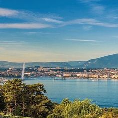 Geneva and its Lake | The Water Fountain #geneva #ttot #visitgeneva #geneve #swissriviera #switzerland #genevacity #bainsdespaquis #citybreak#switzerland #lacdegeneve #lac #riviera #luxurytravel #lakegeneva #lacleman#genevalake  #hotelview#peace #view #genevacity #monument #lacleman #genevalake #hotelview #peace #view #phare #mountain #igersuisse #uno  #waterfountain  #bfmgeneva #visitgeneva #swan #cygnes