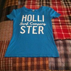 $3 if bundled TEE Excellent shape Hollister Tops
