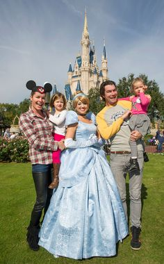 Rebecca Romijn, husband Jerry O'Connell, and their twin daughters pose with Cinderella