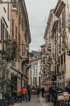 Italy Street, Milan Italy, Europe Street, City Aesthetic, Travel Aesthetic, Travel Around The World, Around The Worlds, Places To Travel, Places To Visit