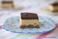 A quick, easy, delicious wholefoods version of peppermint slice Paleo Dessert, Healthy Sweets, Healthy Baking, Dessert Recipes, Healthy Food, Yummy Treats, Delicious Desserts, Sweet Treats, Healthier Desserts