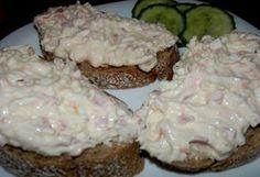 1 ksceler 1 ksmrkev 100 gtvrdý sýr 1 ksvejce salám sůl pepř pomazánkové máslo 1 kelímekbílý jogurt