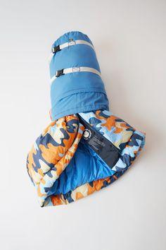 c3046c079109a Acne Studios Skule A F blue orange is a classic Fjällräven sleeping bag in