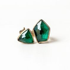 Sacred Valley Ring, made of Thai gold and green quartz. Handcrafted in Brooklyn by Emilie Shapiro.