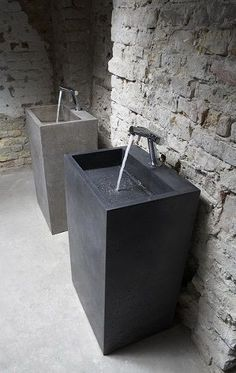 Blockbuster Washbasin by Ivanka Beton Design Modern Pedestal Sink, Modern Bathroom Sink, Bathroom Toilets, Bathroom Interior, Bathroom Sinks, Washroom Vanity, Remodel Bathroom, Lavabo Design, Sink Design