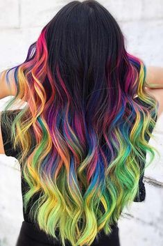 Brunette To Rainbow Hair Ombre ❤ Try rainbow hair that is rich, dark, fantastic, and mysterious. Luckily for you, there are loads of color ideas for brunettes with no bleach required! Pulp Riot Hair Color, Vivid Hair Color, Pretty Hair Color, Beautiful Hair Color, Hair Color Purple, Hair Dye Colors, Unicorn Hair Color, Aesthetic Hair, Hair Designs