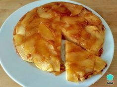 no-Bake Apple Upside Down Cake with this delicious and easy recipe. Whether your oven is on the blink, you never had one in the first place or you. Apple Recipes, Sweet Recipes, Snack Recipes, Dessert Recipes, Cooking Recipes, Snacks, Cake Recipes, Pie Cake, Baked Apples
