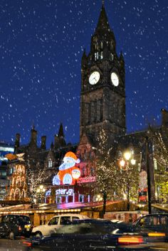 Manchester Town Hall Albert Square Christmas markets, England / Europe Had so much fun Lego Christmas Tree, Christmas Markets Europe, Christmas Lights, Christmas Ideas, Christmas Scenery, Christmas Mood, Christmas Pictures, Manchester Town Hall, Manchester England