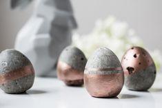 Leanna Earle: [Diy] Mes œufs de Pâques en béton cuivré ! Leanna, Cosmic Egg, Lolo, Or Rose, Holiday Fun, Creations, Paper Mache, Diy Room Decor, Pageants