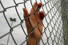 Privan de libertad a funcionario de la DEM por sobornar a un juez - http://www.notiexpresscolor.com/2016/11/12/privan-de-libertad-a-funcionario-de-la-dem-por-sobornar-a-un-juez/