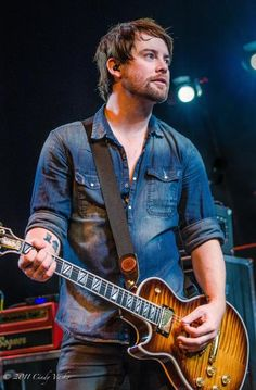Review: David Cook earns rave reviews from fans at New York City concert