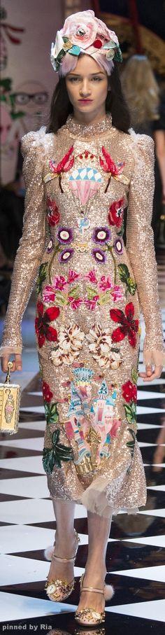 117 fantastiche immagini su Dolce   Gabbana nel 2019  fd65cb2298c