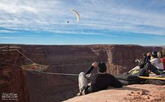 Daredevils Put A Handmade Net 400 ft Up And 200 ft From The Cliffs | Bored Panda