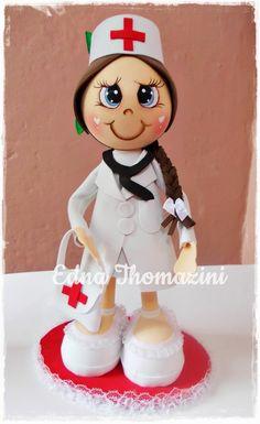 Ateliê Edna Thomazini: Enfermeiras                                                                                                                                                                                 Mais Diy And Crafts, Arts And Crafts, Holiday Gifts, Holiday Decor, Doll Eyes, Sugar Art, Art Dolls, Cake Toppers, Cake Decorating