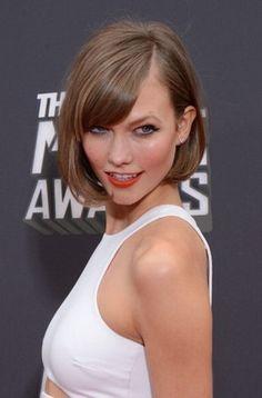 30 celebridades que já adotaram o corte de cabelo estilo 'bob' O 'short bod haircut' continua a ser uma tendência para este verão. O aspeto leve e solto do corte leva a que várias celebridades o utilizem: confira as fotos! ACTIVA