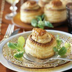 Découvrez la recette Bouchées à la reine façon normande sur cuisineactuelle.fr.