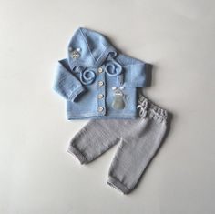 Light blue baby boy set with mouse design merino set jacket trousers and hat MADE TO ORDER Knit Baby Sweaters, Baby Hats Knitting, Baby Knitting Patterns, Knitted Hats, Crochet Baby Dress Pattern, Crochet Baby Clothes, Custom Baby Gifts, Baby Boy, Hat Making