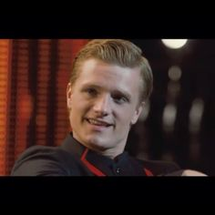 TODAY TODAY TODAY TODAY! JSAFBHUSBJFDSBGVUFBGFUDGBKD;SFNHB HUNGER GAMES!!!- Peeta