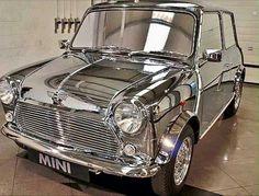 A very shinny silver classic Mini Cooper. Classic Mini, Mini Cooper Classic, Classic Cars, Old Mini Cooper, David Bowie, Retro Cars, Vintage Cars, Mini Morris, Mini Clubman