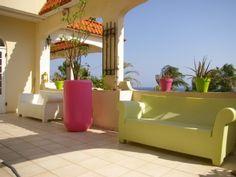 Vrolijk en zonnig loungehuis vlakbij het strand met uitzicht op de zee.Vakantieverhuur in Cura�ao van @homeaway! #vacation #rental #travel #homeaway