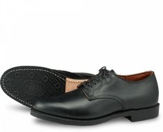 Williston Oxford Style No 9431 - Black Featherstone Leather Red Wing Shoe Stores, Red Wing Shoes, Goodyear Welt, Polished Look, True Beauty, Leather Fashion, Derby, Oxford Shoes, Dress Shoes