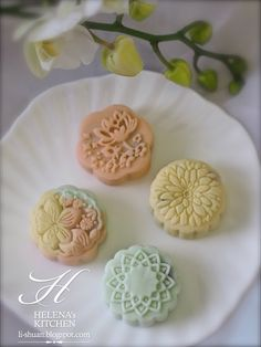 Snow skin mooncake