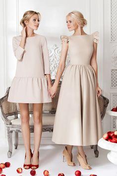 Платье «Даниэла» беж — 14 990 рублей, Платье «Кенди» беж — 25 990 рублей