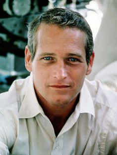 Paul Newman 1925-2009  Dies of lung cancer