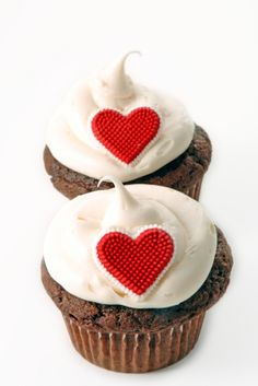 Wondering how to express your feelings to your loved one... Your search ends here...This is an absolutely gorgeous cupcake which will say it ALL for you. Express your love with