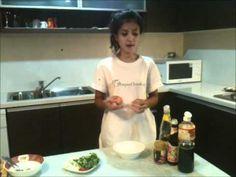 Jak zrobić Smażone Nadziewane Kalmary z Curry - Przepis Video - w kuchni tajskiej jada się dużo owoców morza. Kalmary w połączeniu z przyprawą curry to bardzo smaczne danie. Smakowało? Zostaw nam swój komentarz.