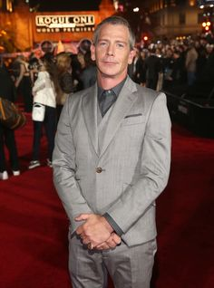 """Ben Mendelsohn Photos Photos - Actor Ben Mendelsohn attends The World Premiere of Lucasfilm's highly anticipated, first-ever, standalone Star Wars adventure, """"Rogue One: A Star Wars Story"""" at the Pantages Theatre on December 10, 2016 in Hollywood, California. - The World Premiere of 'Rogue One: A Star Wars Story'"""