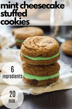 Mint Cheesecake Stuffed Chocolate Chip Cookies are filled with a creamy, mint cheesecake mixture that is perfect for your sweet tooth or any party! Salted Caramel Chocolate, Chewy Chocolate Chip Cookies, Chocolate Caramels, Healthy Chocolate, Chocolate Desserts, Mint Cheesecake, Low Fat Cream Cheese, Thin Mint Cookies, Holiday Cookie Recipes