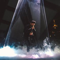 215.7k Likes, 500 Comments - The Weeknd (@theweeknd) on Instagram