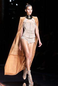 Verkkohame ensi kesäksi? Näitä vaatteita Kim Kardashian rakastaa