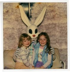 Lol my mom has a pic like this with the same creepy bunny